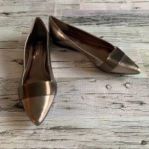 BCBGENERATION   Metallic pointed toe flats